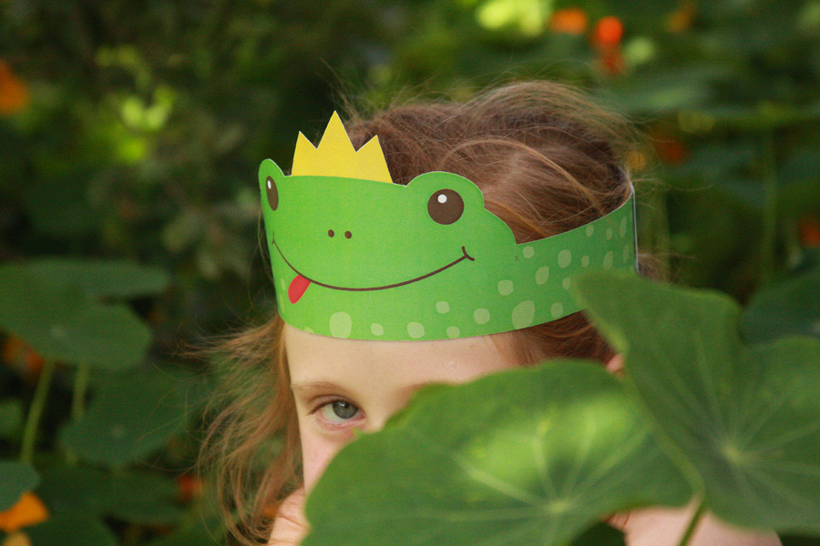 יצירה לילדים לפסח | כתר צפרדע | פרינטבל חינם להדפסה | http://naamasimanim.co.il/