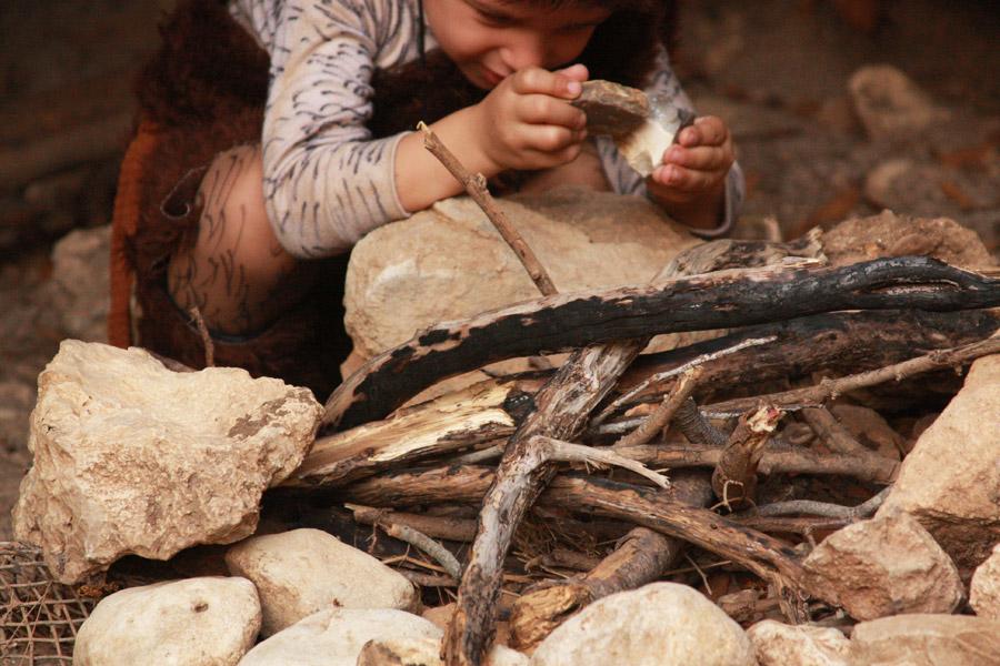 תחפושת האדם הקדמון | בלוג סימני דרך | naamasimanim.co.il