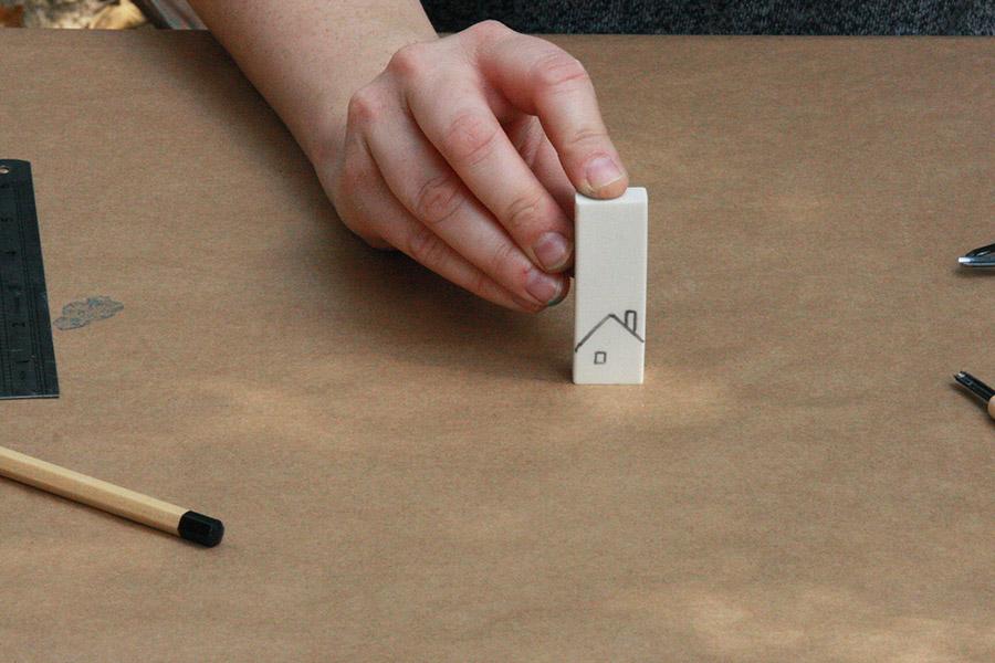 הכנת חותמות ממחקים / יצירה לחופש הגדול / גילוף חותמות / בלוג סימני דרך / נעמה אורבך