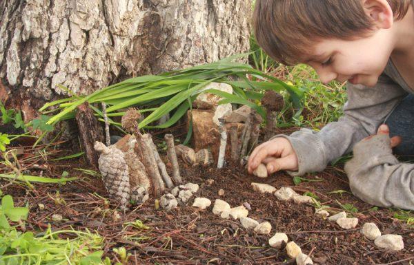 פעילות עם ילדים בטבע: הכנת בית לפיות