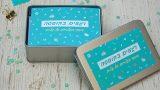 """רגעים בקופסה   מתנת יום הולדת לחברה   מתנה נוסטלגית   גלויות מתנה   סטודיו """"נעמה מגשימת מתנות""""   בלוג """"סימני דרך   naamasimanim.co.il"""