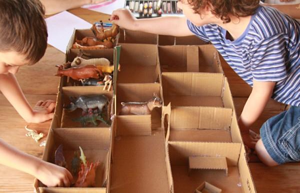 יצירה לחופש הגדול: בונים גן חיות מקרטון